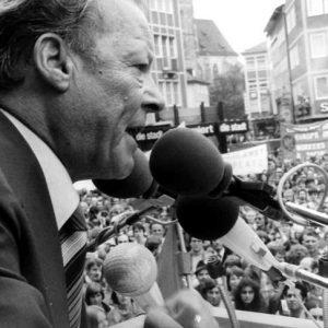 Willy Brandt bei einer Rede