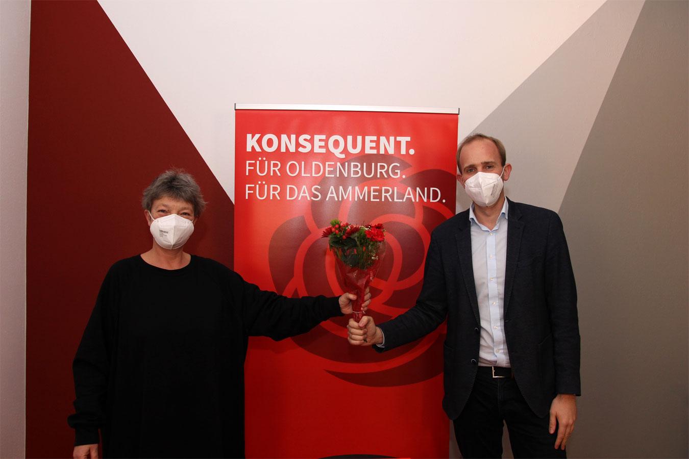 Hanna Naber gratuliert Dennis Rohde